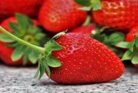 9 Manfaat Hebat Stroberi agar Sehat Luar Dalam