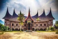 Kota Padang merupakan kota terbesar ketiga di Sumatera